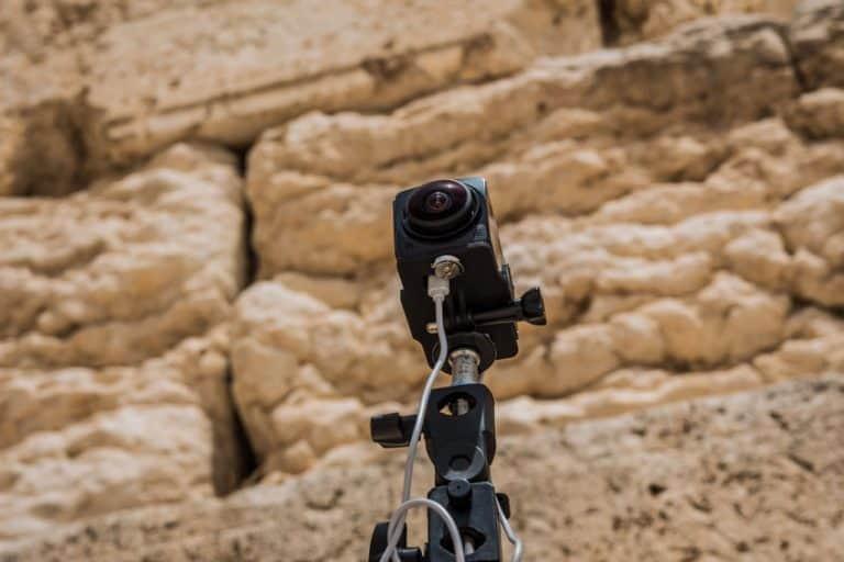 Camara 360° grabando al aire libre