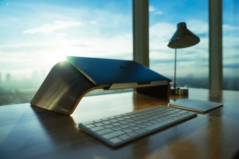 Laptop en habitación