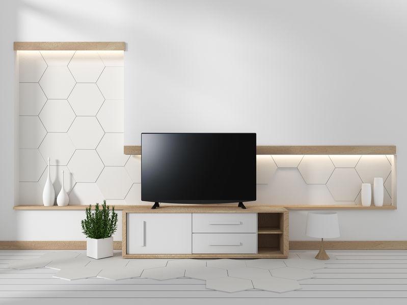 un televisor en una sala de estar moderna