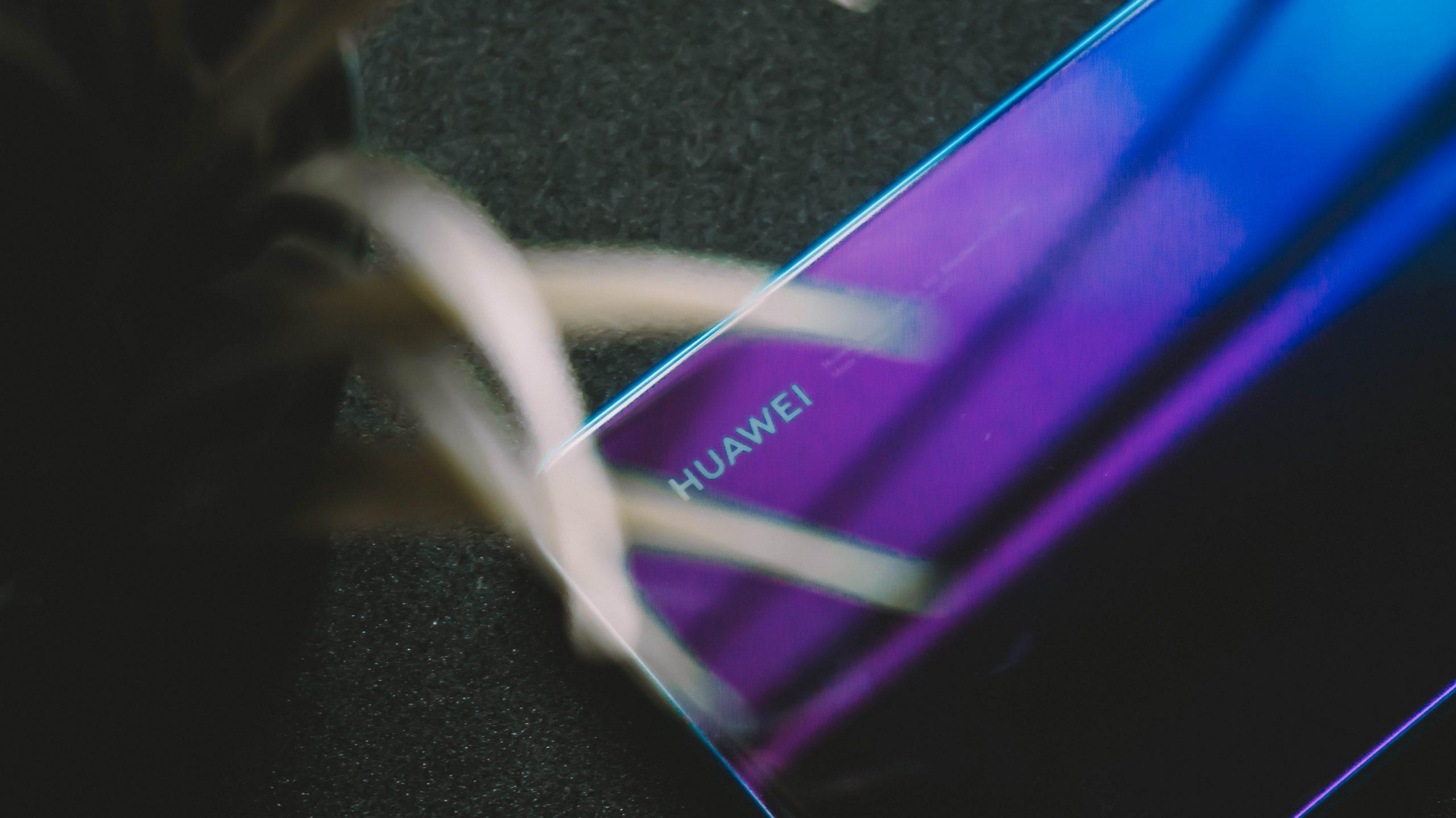 Smartphone Huawei color morado