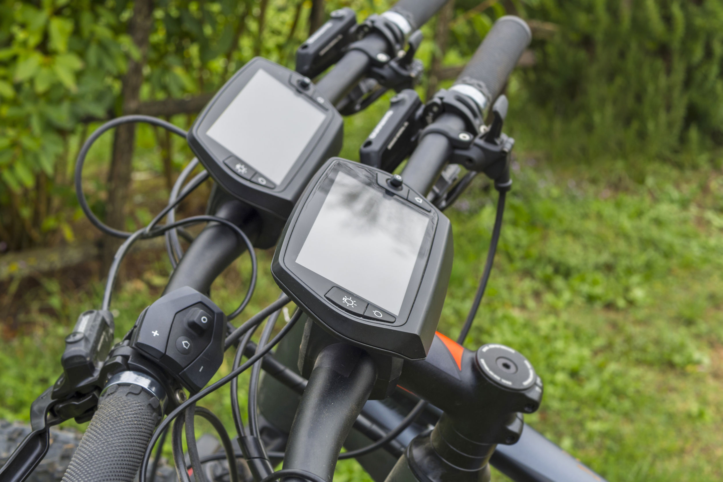 Imagen de dos ciclocomputadores