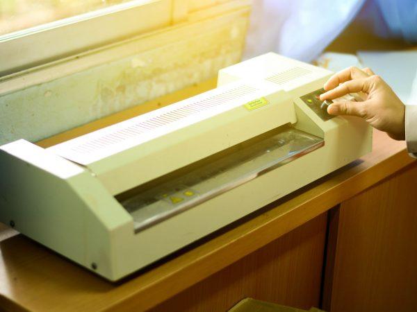 document laminating machine in education school