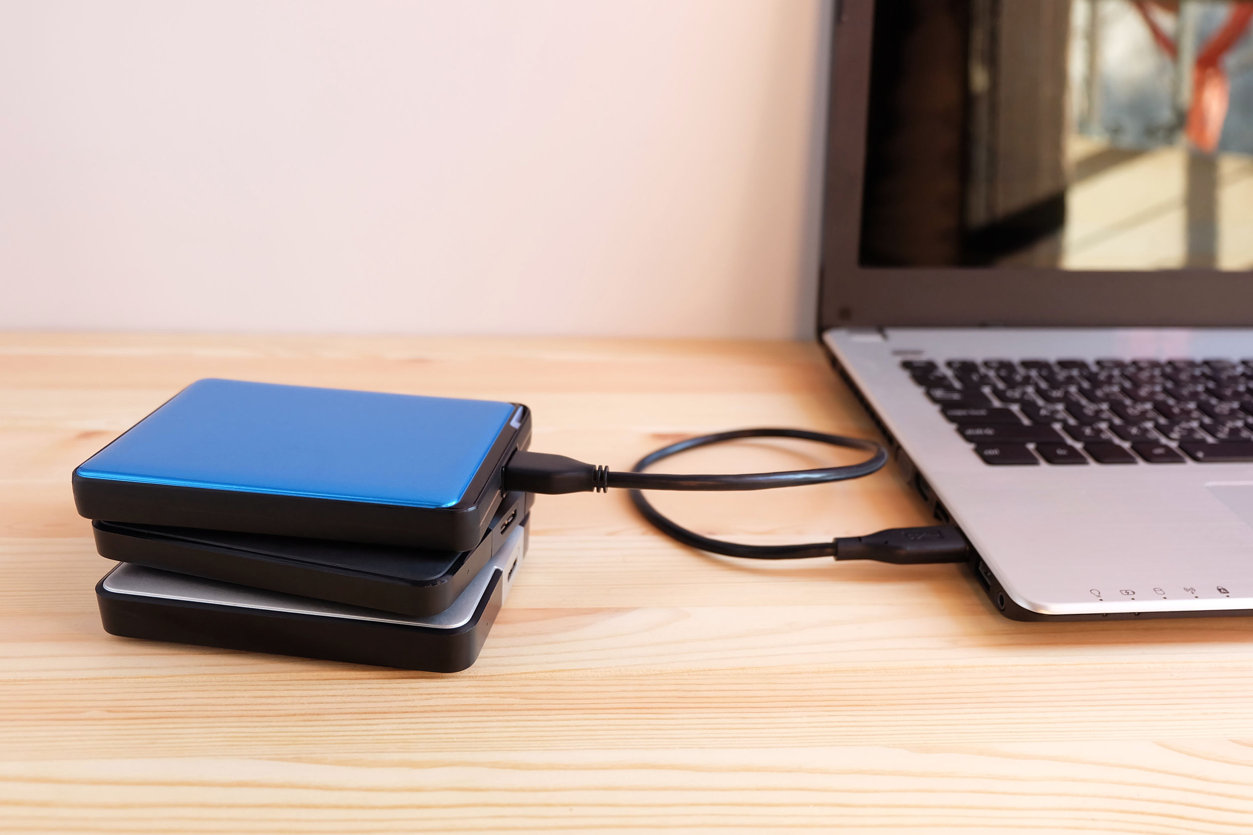 Disco duro conectado a laptop