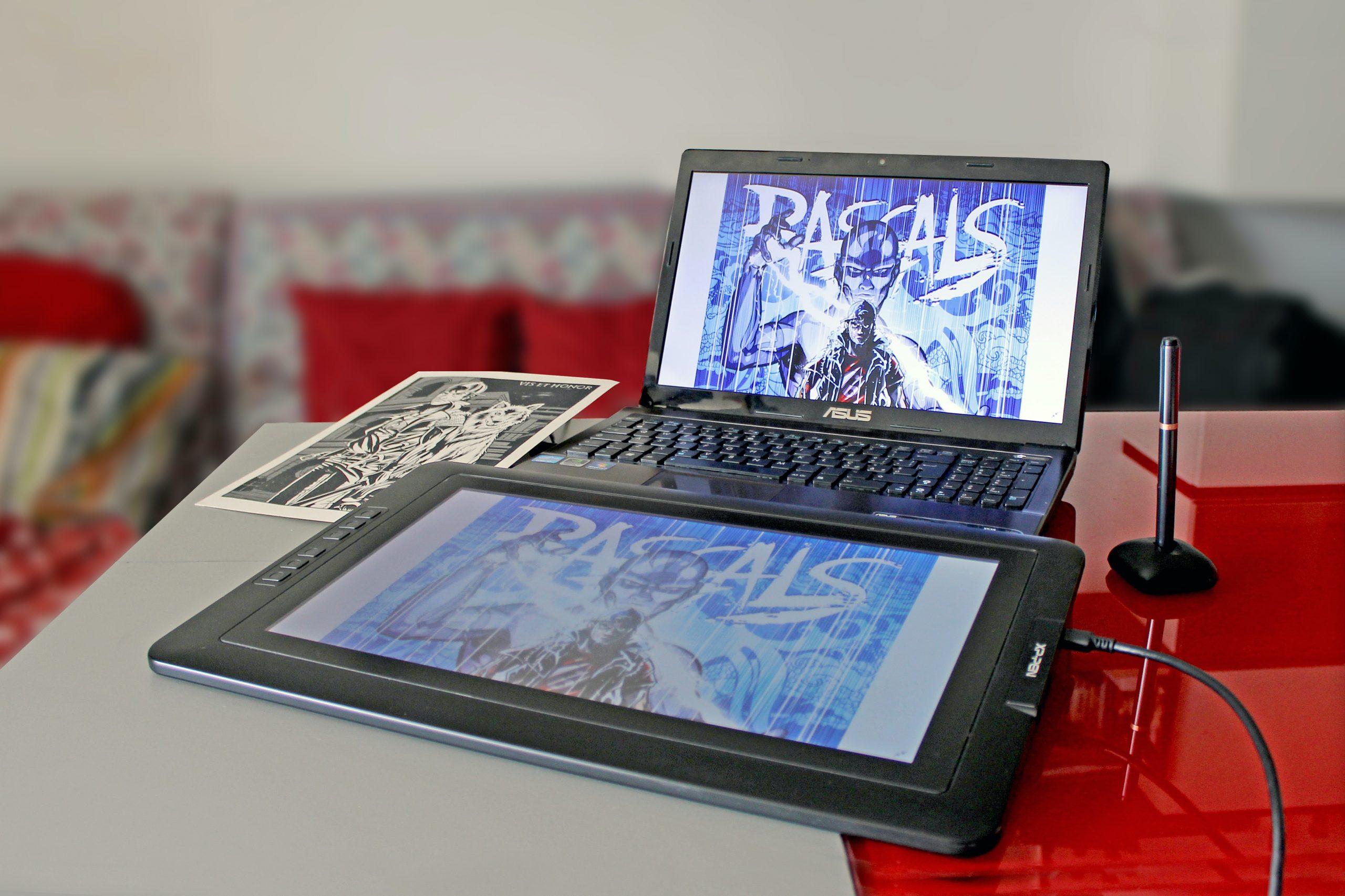 tableta grafica en mini laptop