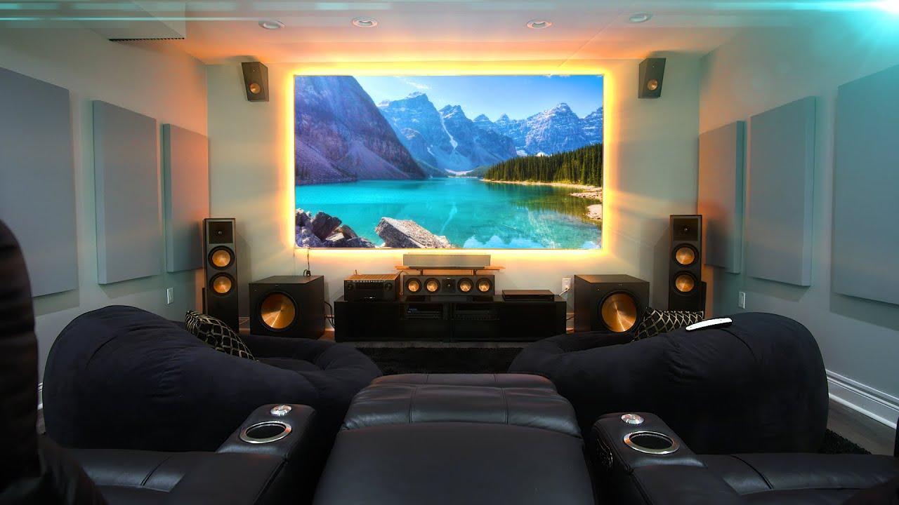 sala de estar con teatro en casa