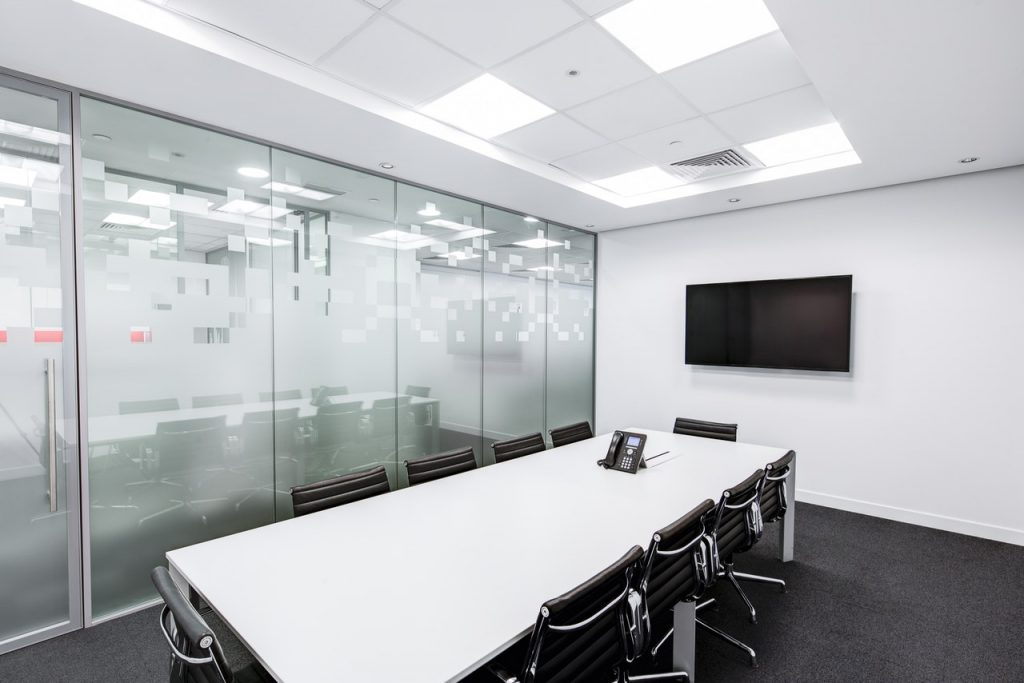 paneles de led en oficina