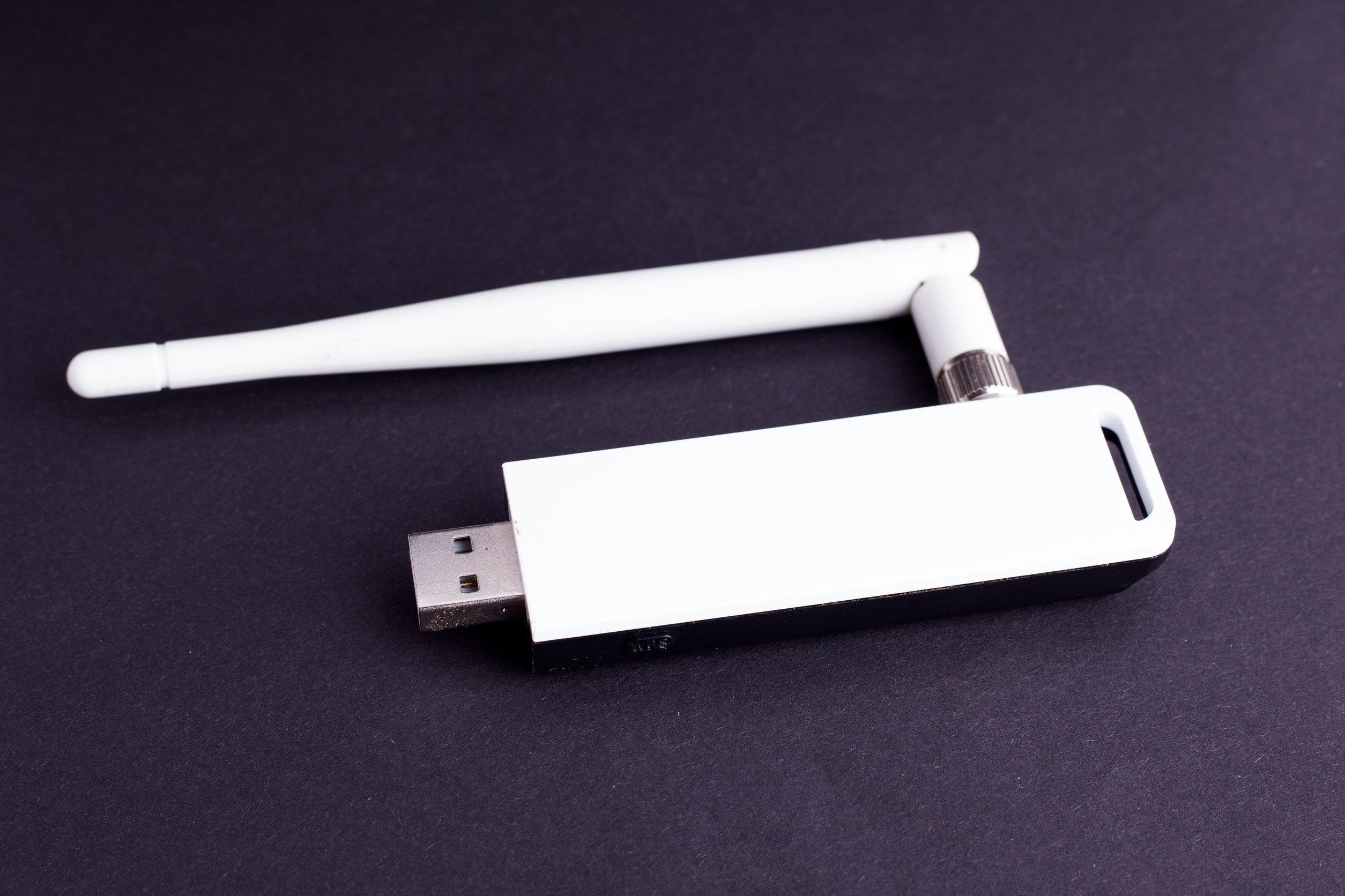 Antena wifi blanca